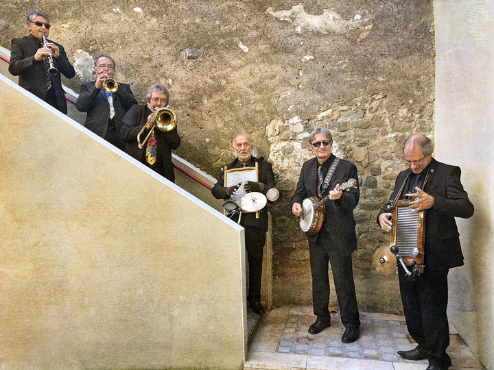 Jazz On The Stairs
